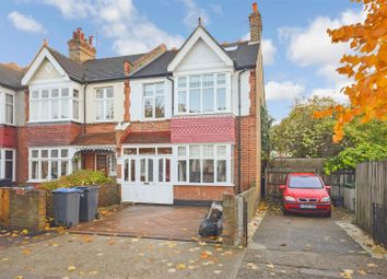 4 bed property for sale in Coombe Gardens, New Malden KT3