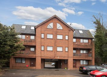 Thumbnail 1 bed flat to rent in Beacon Road, Chatham