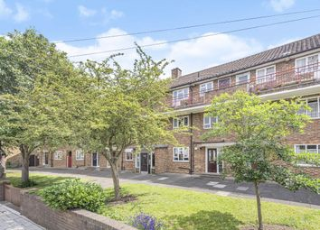 3 bed flat for sale in Sarsfeld Road, London SW12
