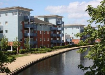 Thumbnail 2 bed flat to rent in Wraysbury Drive, West Drayton