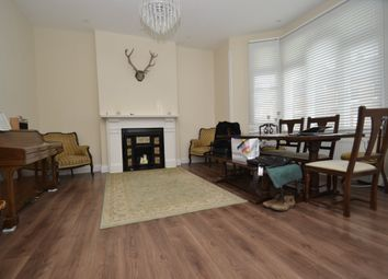 Thumbnail 2 bed flat to rent in Bickerton Road, London