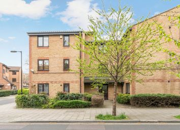 Thumbnail 2 bed flat to rent in Searles Road, London