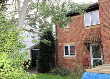 2 bed semi-detached house to rent in Gladstone Way, Cippenham, Slough SL1