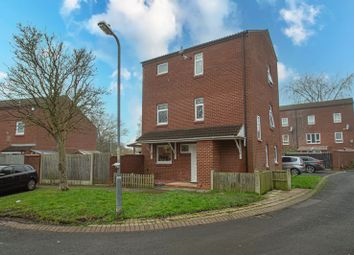 Thumbnail 5 bed property for sale in Sandhurst Close, Redditch