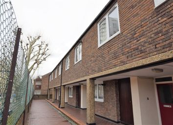 Thumbnail 2 bed maisonette to rent in Spanby Road, London