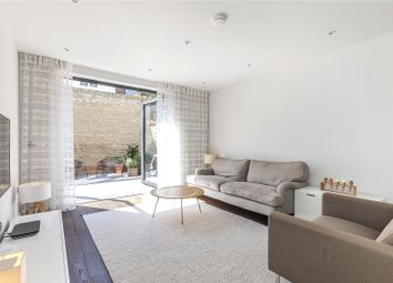 4 bed property for sale in Hawthorne Crescent, London SE10