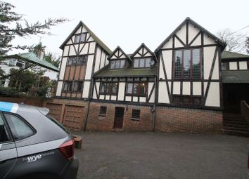 Thumbnail 8 bed detached house to rent in Marlow Hill, High Wycombe