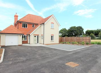 Middle Street, Bumbles Green, Nazeing EN9. 4 bed detached house