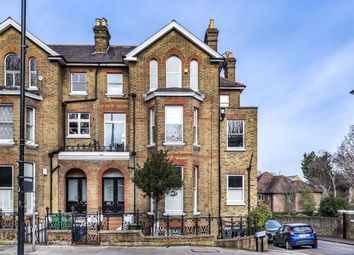 3 bed flat to rent in Sheen Road, Richmond TW9