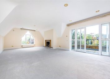 The Water Gardens, Warren Road, Kingston Upon Thames, Surrey KT2. 3 bed flat for sale