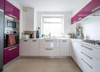 Thumbnail 3 bedroom flat for sale in Alwyne Square, Canonbury, London
