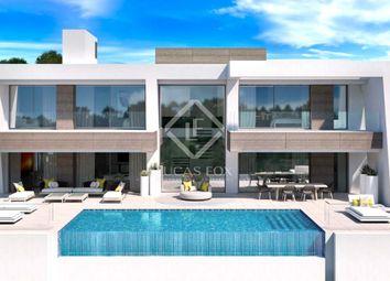 Thumbnail 3 bed villa for sale in Spain, Costa Del Sol, Marbella, New Golden Mile, Mrb15725