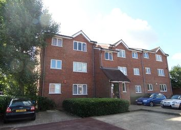 Thumbnail Studio to rent in Howard Close, Waltham Abbey