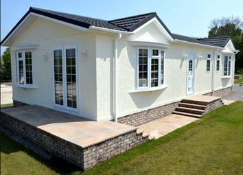 Thumbnail 2 bed mobile/park home for sale in Sandy Lane, Farnborough