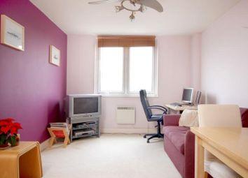 1 bed flat to rent in Skyline Plaza, 80 Commercial Road, Londnon E1
