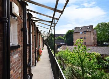 Thumbnail 3 bed flat to rent in Ranelagh Gardens, Fulham, London