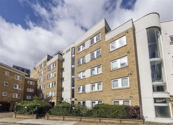 Thumbnail 2 bed flat to rent in Goldsmiths Row, London