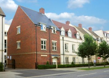Thumbnail 1 bed flat to rent in Woodford Way, Witney, Oxfordshire