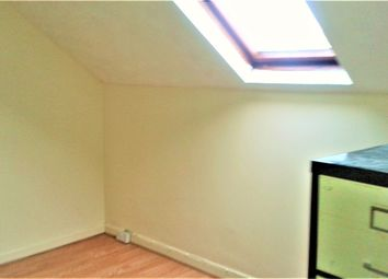 Thumbnail 2 bed flat to rent in Ampthill Road, Bedford
