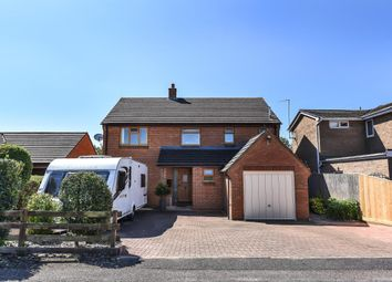 Thumbnail 4 bed detached house to rent in Edgeworth Drive, Carterton