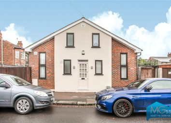 2 bed detached house for sale in Elvendon Road, Bounds Green, London N13