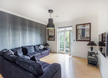 Regents Drive, Woodford Green IG8. 4 bed flat
