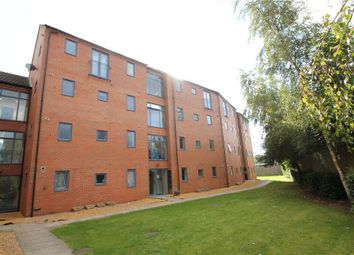 Thumbnail 2 bed flat to rent in Prospect View, Clive Road