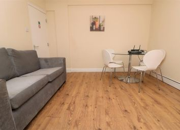 Room to rent in White Street, Hull HU3