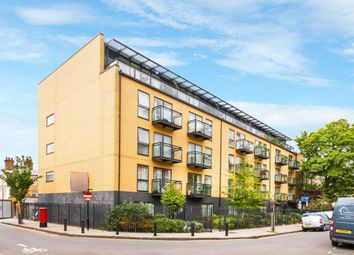 Thumbnail 2 bed flat to rent in Shore Road, London Fields