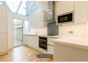 Thumbnail 1 bed flat to rent in Meadow Road, London