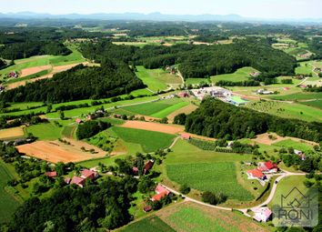 Thumbnail Farm for sale in Hp1325, Lendava, Slovenia
