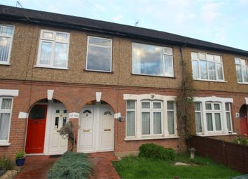 2 bed maisonette to rent in Avondale Avenue, Staines, Middlesex TW18