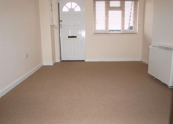 Thumbnail 1 bedroom flat to rent in Essex Road South, London