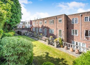2 bed flat to rent in Quarry Street, Guildford GU1