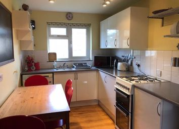 3 bed flat to rent in Charles Close, Winchester SO23