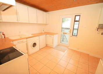 Thumbnail Flat to rent in Churchfield Road, Chalfont St. Peter, Gerrards Cross
