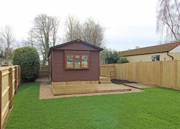 Thumbnail 2 bedroom mobile/park home for sale in Crossville Crescent, Didcot, Oxfordshire