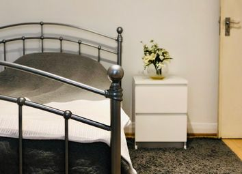 Thumbnail Room to rent in The Ridgeway, London