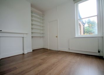 Thumbnail 2 bed flat to rent in Oakley Road, Islington, London