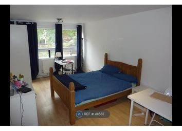 Room to rent in Earlsferry Way, London N1