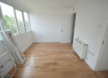 Thumbnail Room to rent in Douglas Road, Addlestone