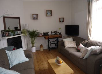 Thumbnail 2 bed flat to rent in Broadway Parade, The Broadway, London