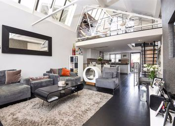 3 bed property for sale in Balham Grove, London SW12