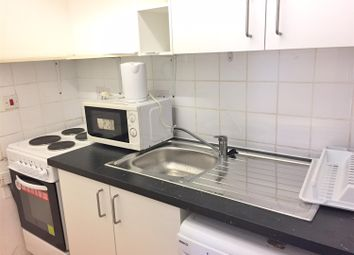 Thumbnail 1 bed flat to rent in Dukes Avenue, Hounslow