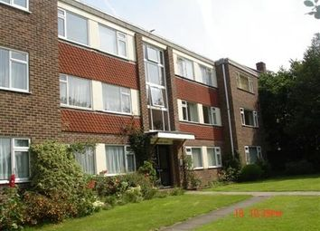 Thumbnail 2 bed flat to rent in Southlands Grove, Bromley, Kent