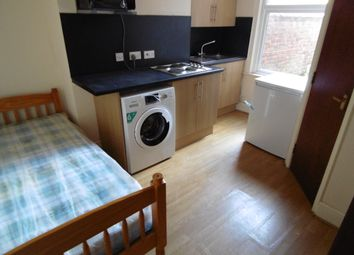 Thumbnail Studio to rent in Coundon Road, Coventry