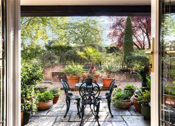 Belvedere House, Churchfields Avenue, Weybridge, Surrey KT13. 2 bed flat for sale