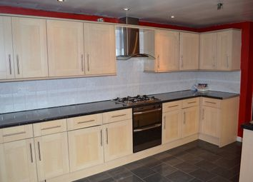 Thumbnail 2 bed flat to rent in Broadway, Rainham