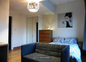 Thumbnail Room to rent in Cyclops Mews, London
