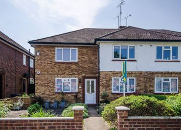 2 bed maisonette to rent in Chamberlain Way, Pinner HA5